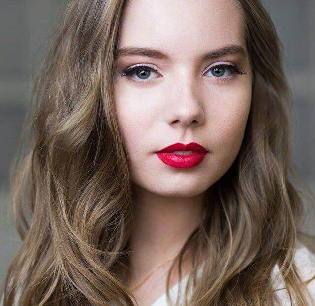 makeup czerwonych ust wykonany przez makijażystkę z Wrocławia