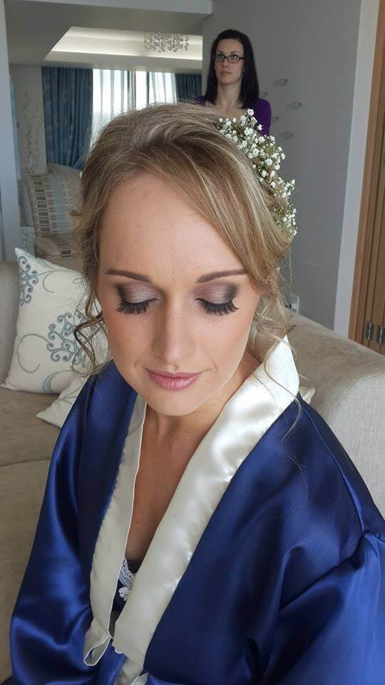 makeup na ślub z dojazdem, wykonany podczas obchodów uroczystości w województwie dolnośląskim