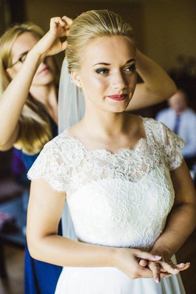 makijaż ślubny Wrocław przy okazji przygotowań Pani Młodej do wesela