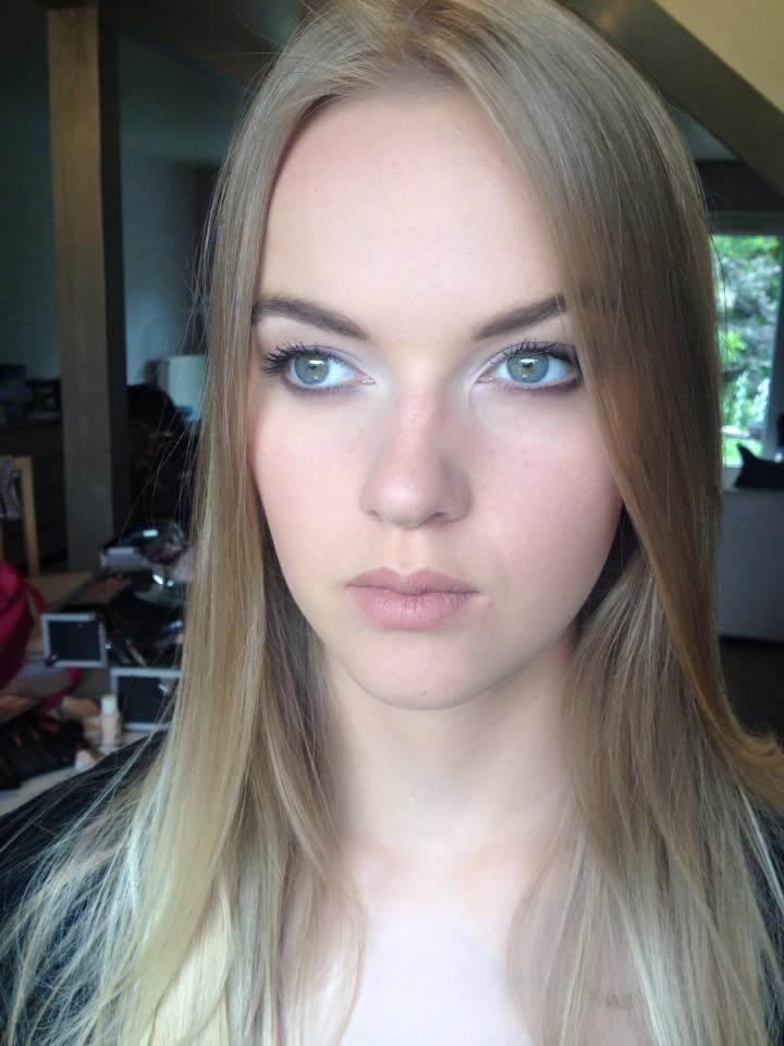 naturlany makijaż w stylu no make up