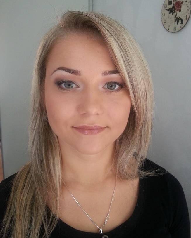 makeup biznesowy młodej kobiety